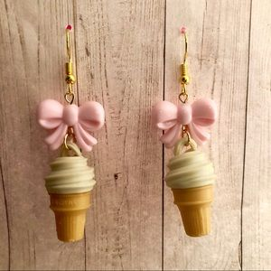 Ice cream cone 🍦 vanilla swirl soft bow earrings